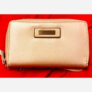 🔴 Kenneth Cole Reaction Silver Clutch - GUC